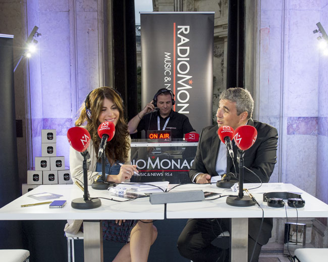 Radio Monaco en direct du Petit Palais. Photographie Backstage durant l'émission.  © Reportage photo : Sacha Lenormand,